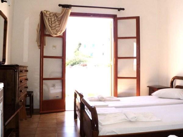 Offerte viaggio scontate hotel adamastos grecia for Camere matrimoniali scontate