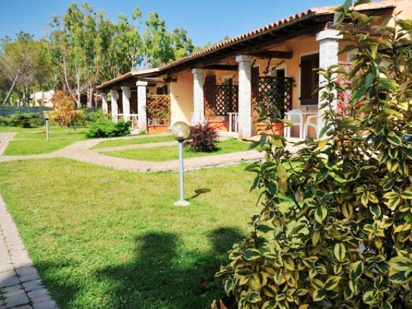 Offerte viaggio scontate eurovillage club hotel s for Resort budoni sardegna