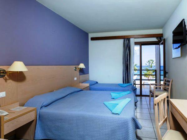 Offerte viaggio scontate swan club malia beach grecia for Camere matrimoniali scontate